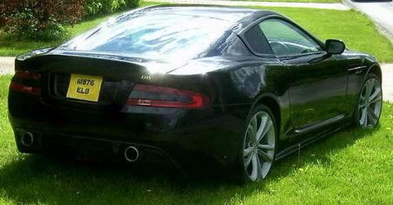 Aston Martin DBS replika