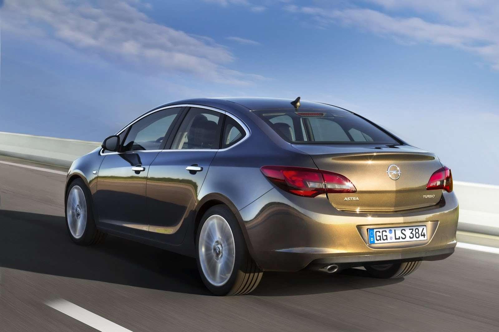 Opel Astra Sedan 2013