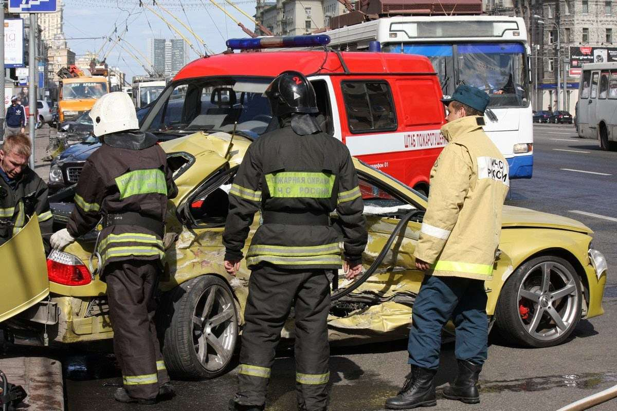 BMW M Club crash