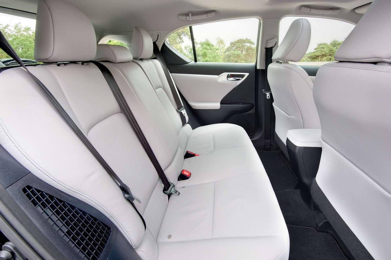 Lexus CT200h 2013