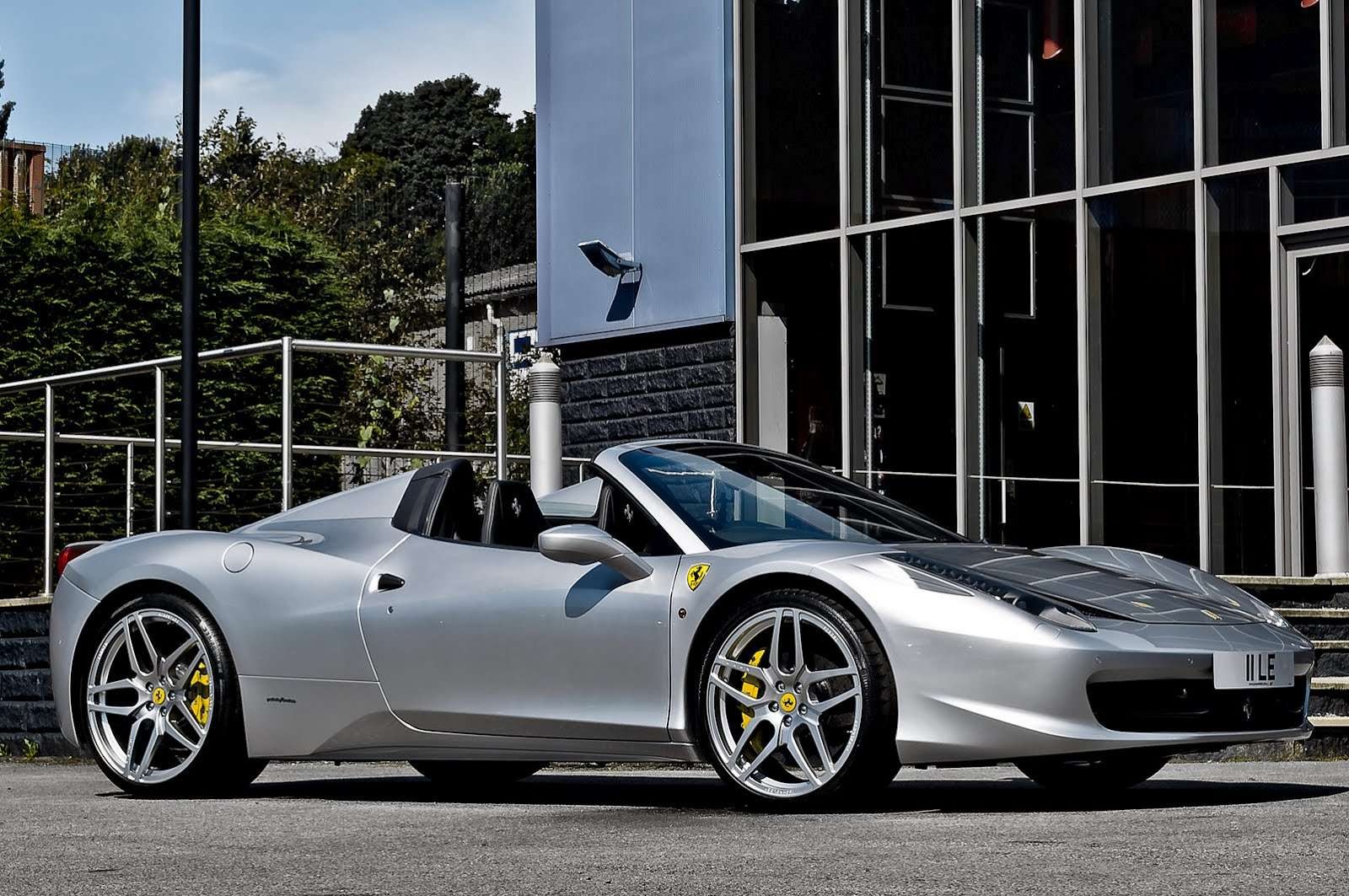 Ferrari 458 Spider Kahn Design