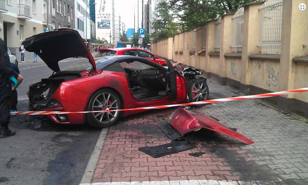 Spalone Ferrari California w Warszawie