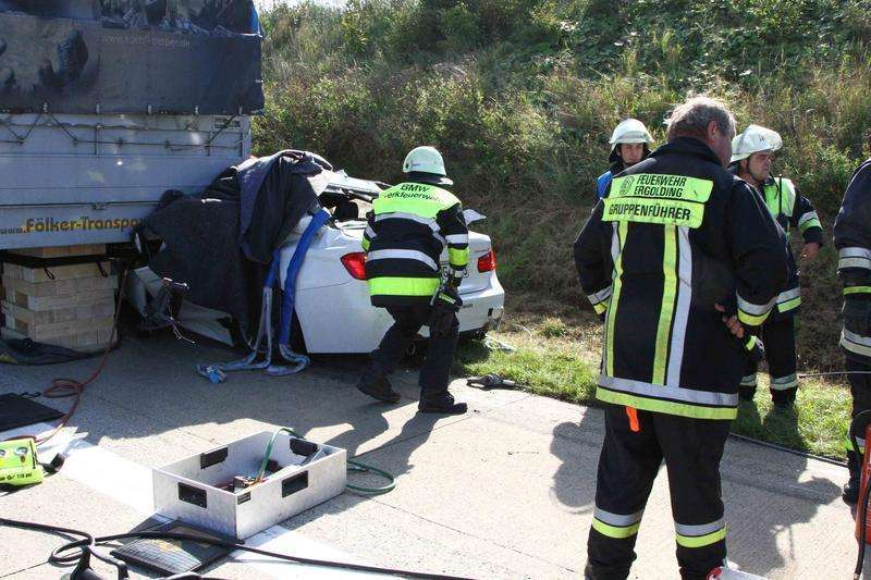 BMW 3-Series Hybrid prototype crashed in Autobahn
