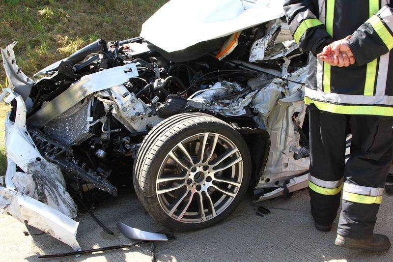 BMW 3-Series Hybrid prototype crashed in Autobahn