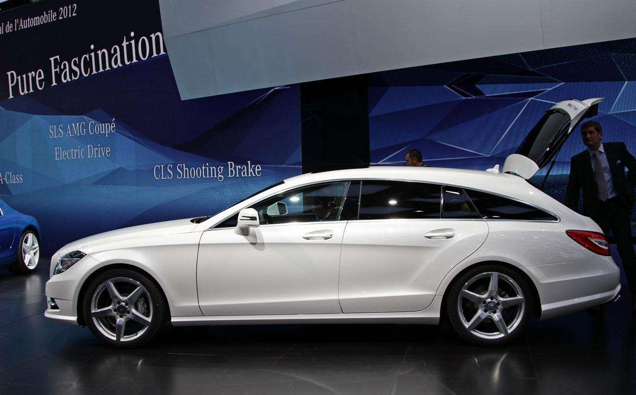 Mercedes-Benz CLS Shooting Brake Live in Paris 2012