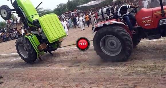 Walki traktorów w Indiach