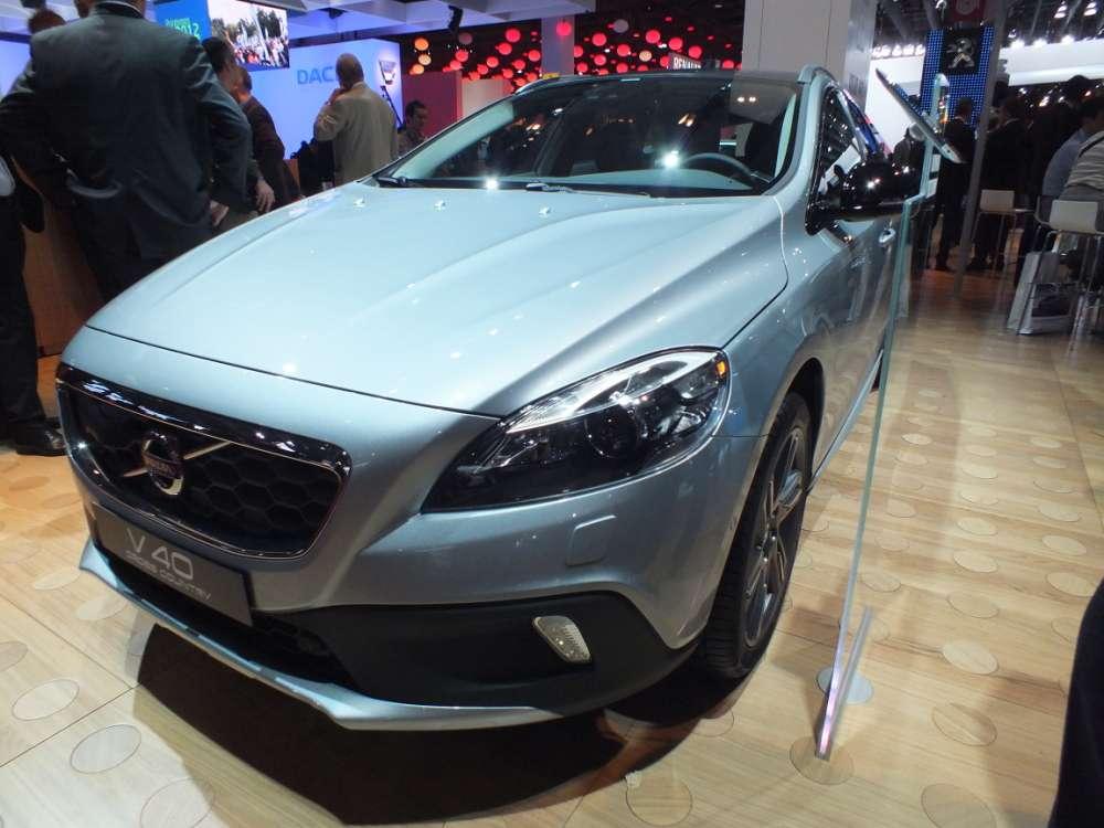 Volvo V40 Cross Country Paryż 2012