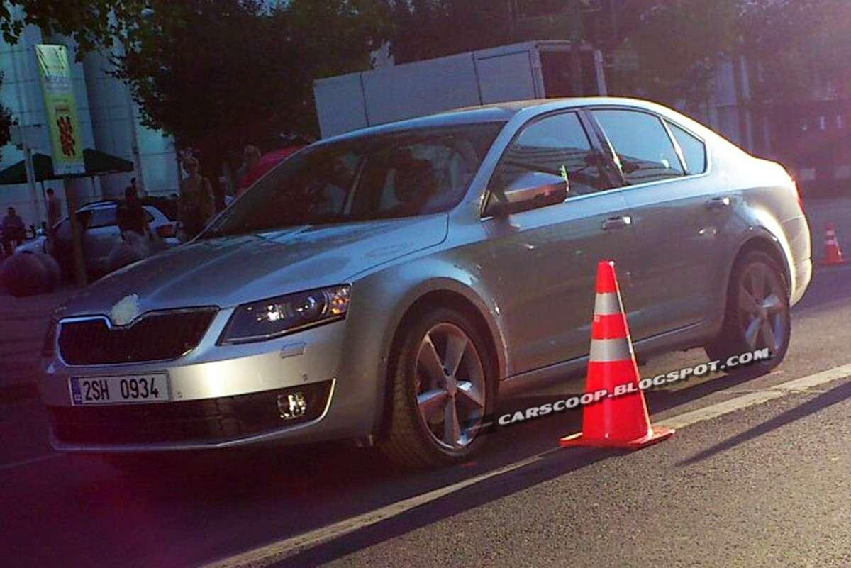 Skoda Octavia 2013 bez kamuflażu