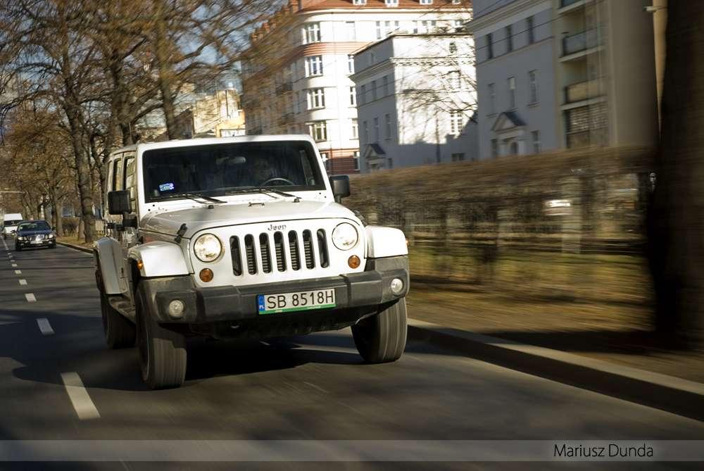 jeep-wrangler-03.jpg