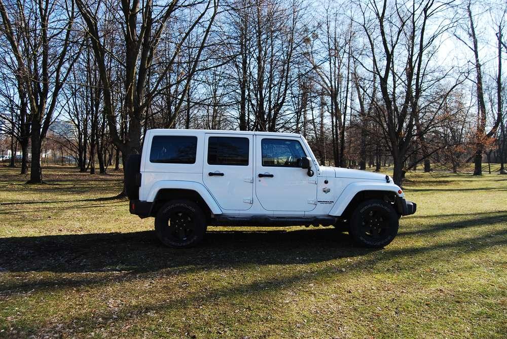 jeep-wrangler-05.jpg