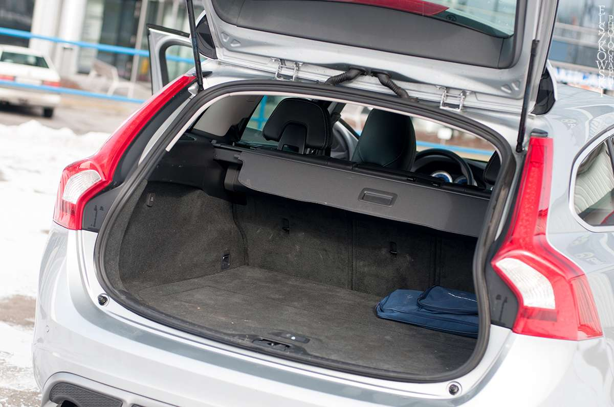 Volvo V60 2.4 AWD R-Design