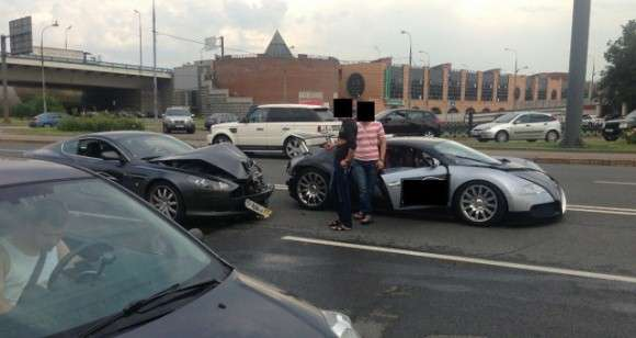 Aston Martin DB9 Bugatti Veyron crash