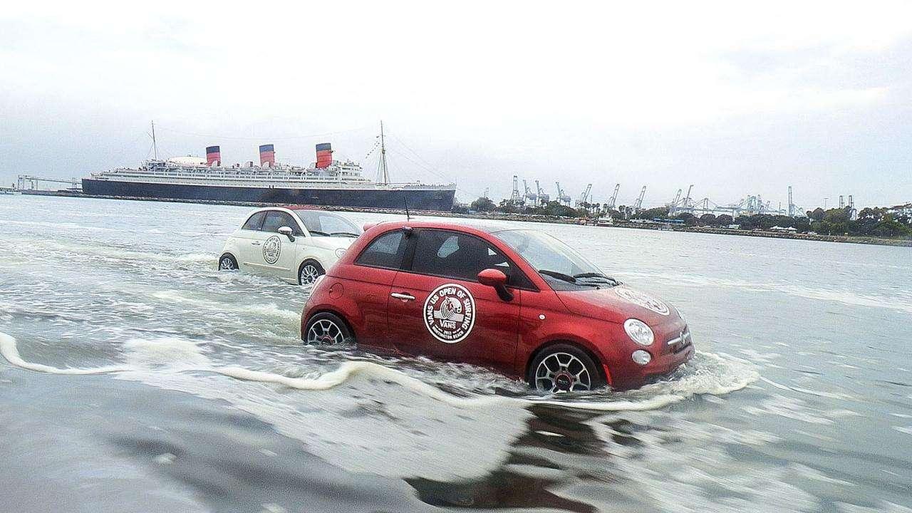 Fiat 500 na wodzie