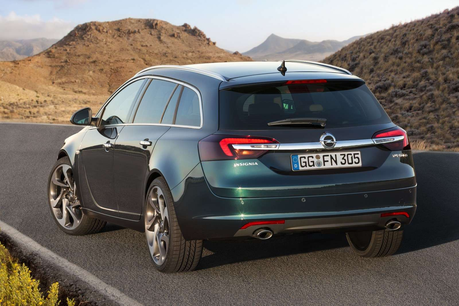Opel Insignia Sports Tourer 2013 Facelift