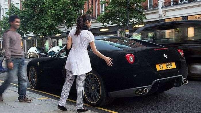 Ferrari 599 i Porsche Panamera pokryte aksamitem