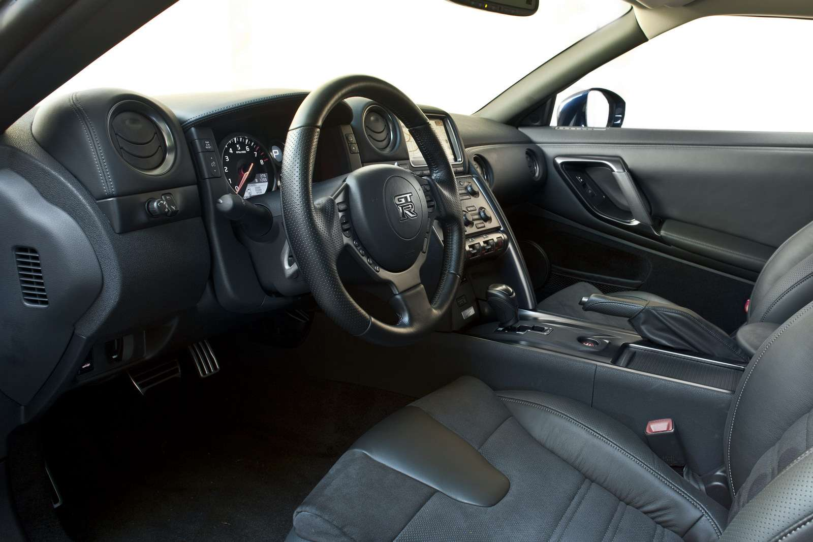 Nissan GT-R na rok 2013 fot styczen 2012