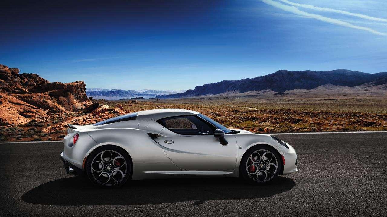 Alfa Romeo 4C Launch Edition 2013