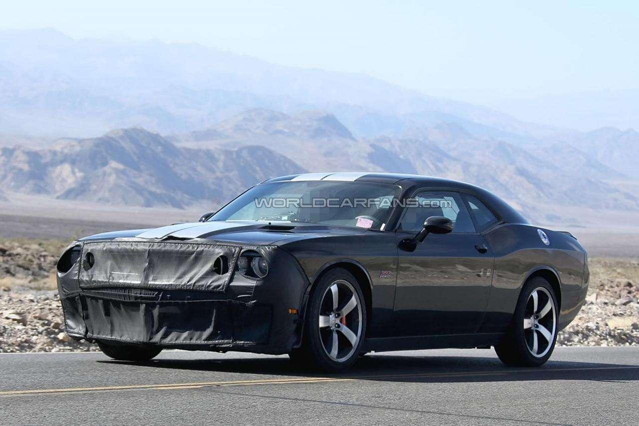 Dodge Challenger Srt Hellcat Cena >> Dodge Challenger SRT8 Hellcat 2015 [szpiegowskie]   #motofilm