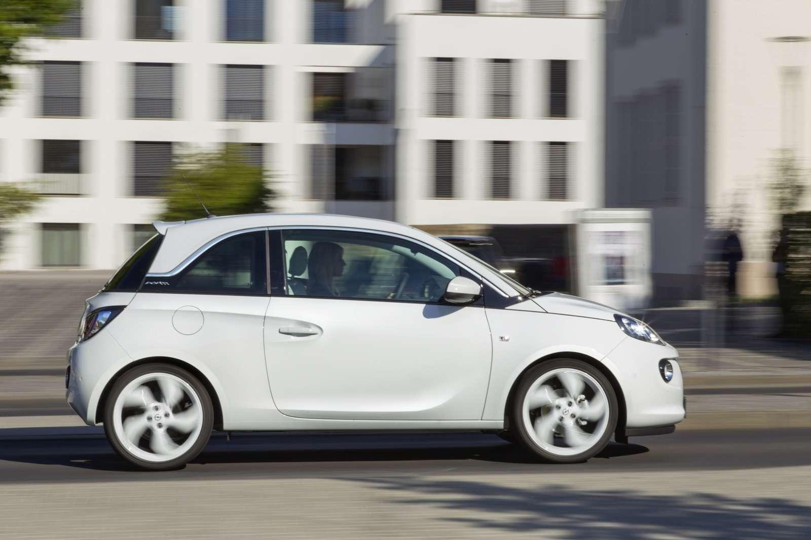 Opel Adam White Link
