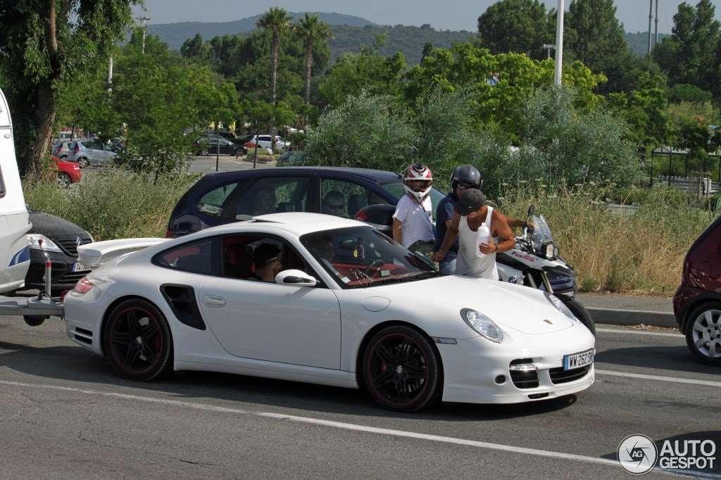 Porsche 911 Turbo przyczepa kempingowa