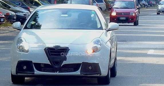 Alfa Romeo Giulietta facelift wnętrze