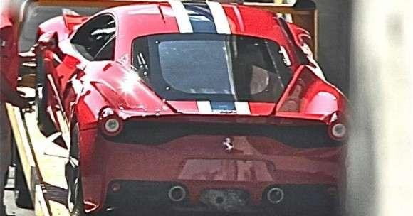 Ferrari 458 Speciale live