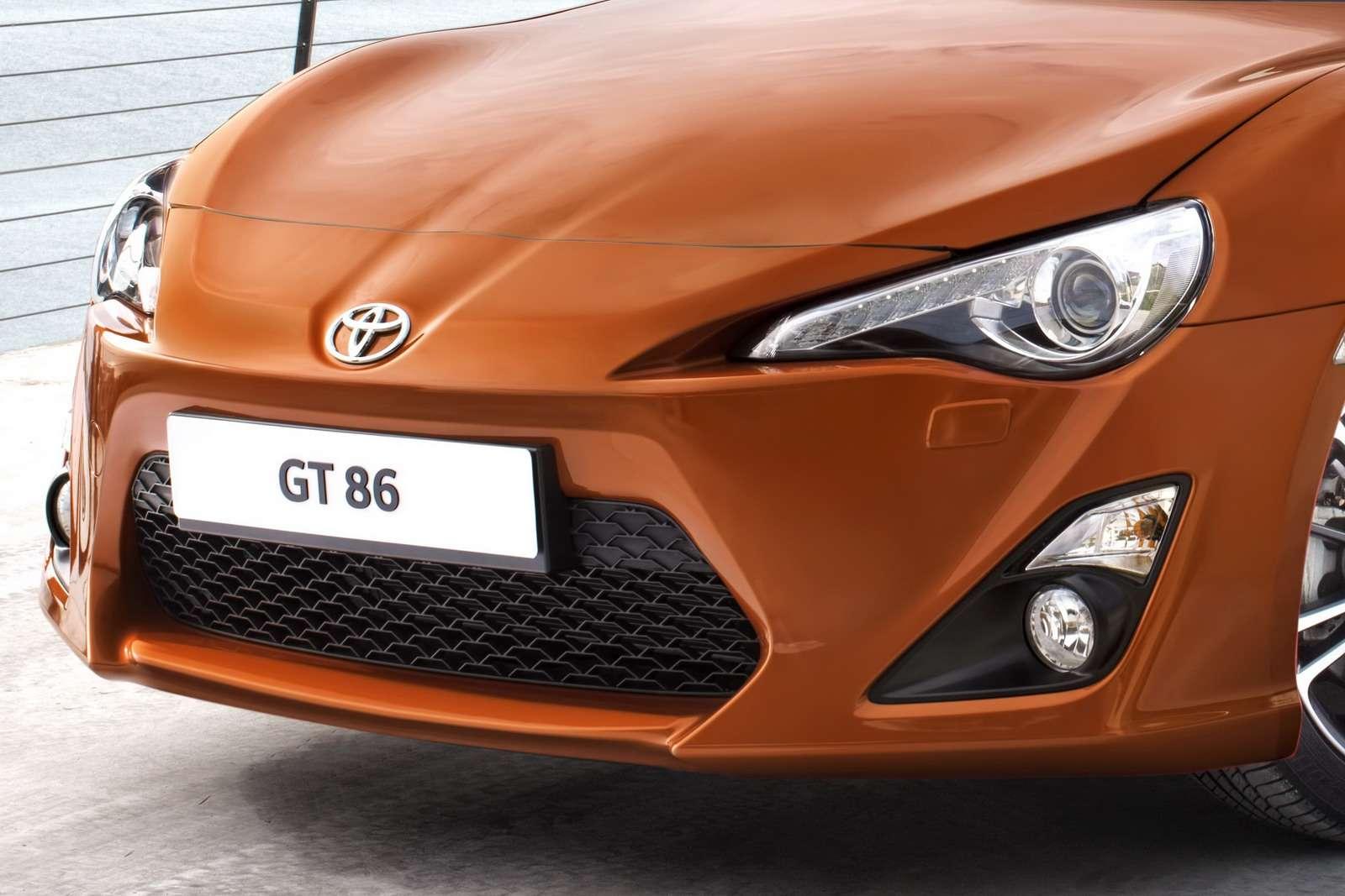 Toyota GT-86 oficjalnie 1 fot listopad 2011