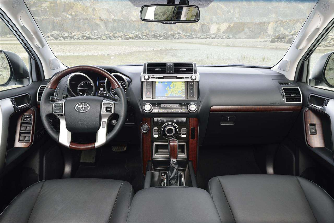 Toyota Land Cruiser Facelift 2014