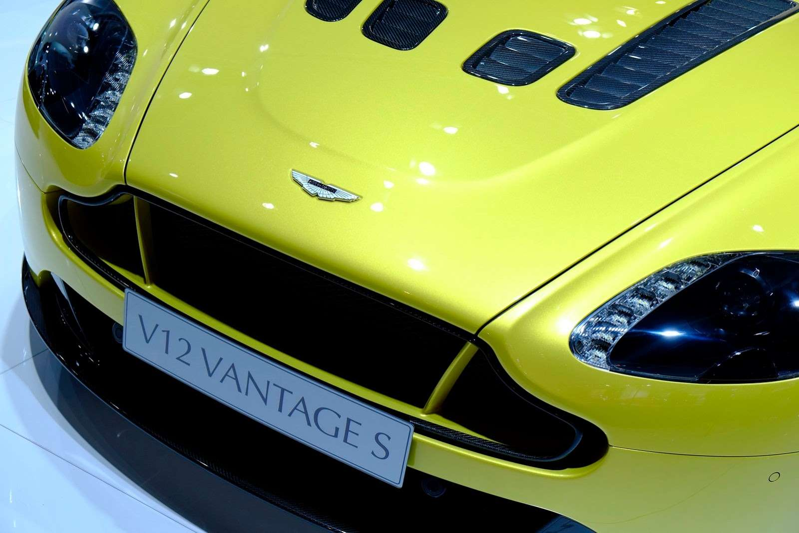 Aston Martin Frankfurt 2013