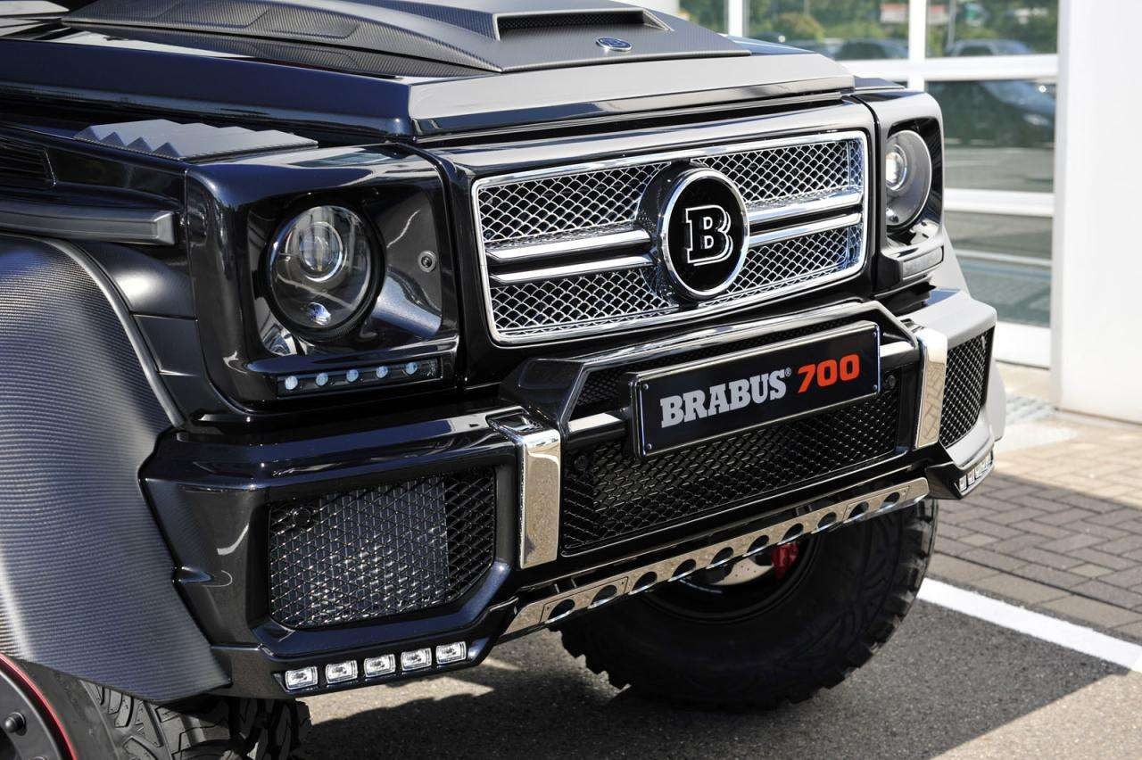 Brabus B63S-700 6x6