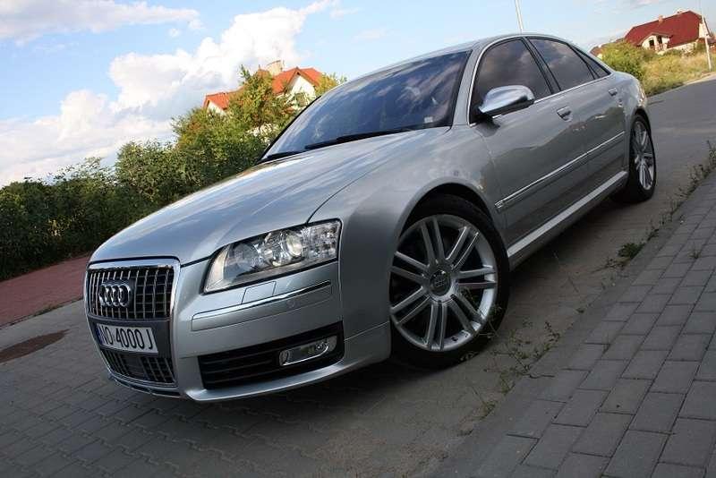 Audi S8 Mamed Chalidow