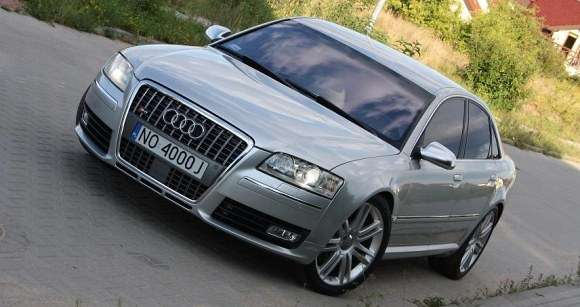 Audi S8 Mamed