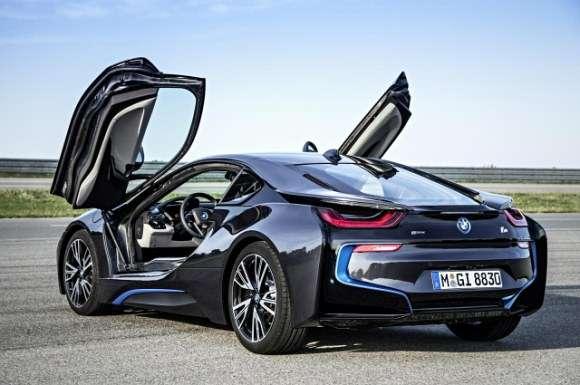 BMW i8 tył
