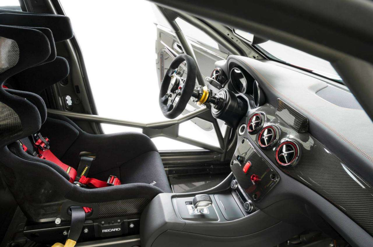 Mercedes CLA 45 AMG Racing Series CLA 250 Sports