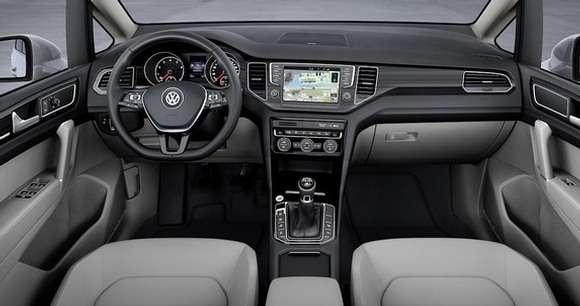 Volkswagen Golf Sportsvan interior wnętrze