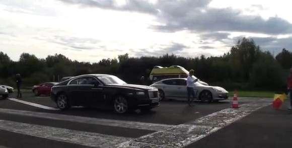 Rolls Royce Wraith vs Porsche Panamera