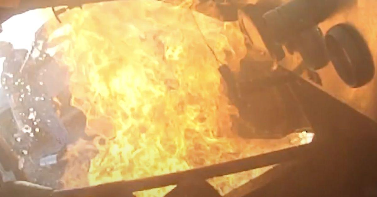 Pożar Chevrolet Corvette. Silnik eksplodował
