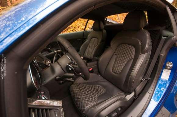 Audi R8 V10 2013 interior