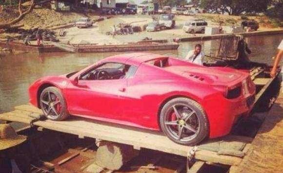 Ferrari 458 Spider river