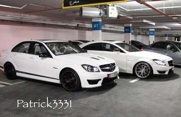 Mercedes AMG garaż
