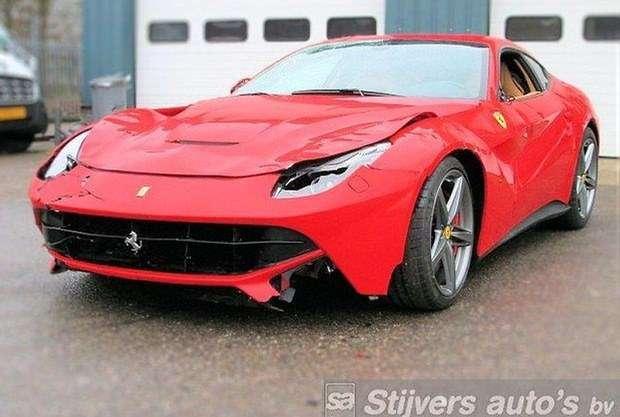 Ferrari F12Berlinetta schade