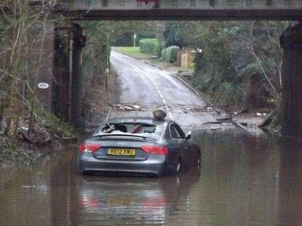 Audi RS5 powódź