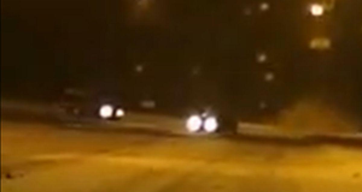 BMW E36 na śniegu: jazda bokiem