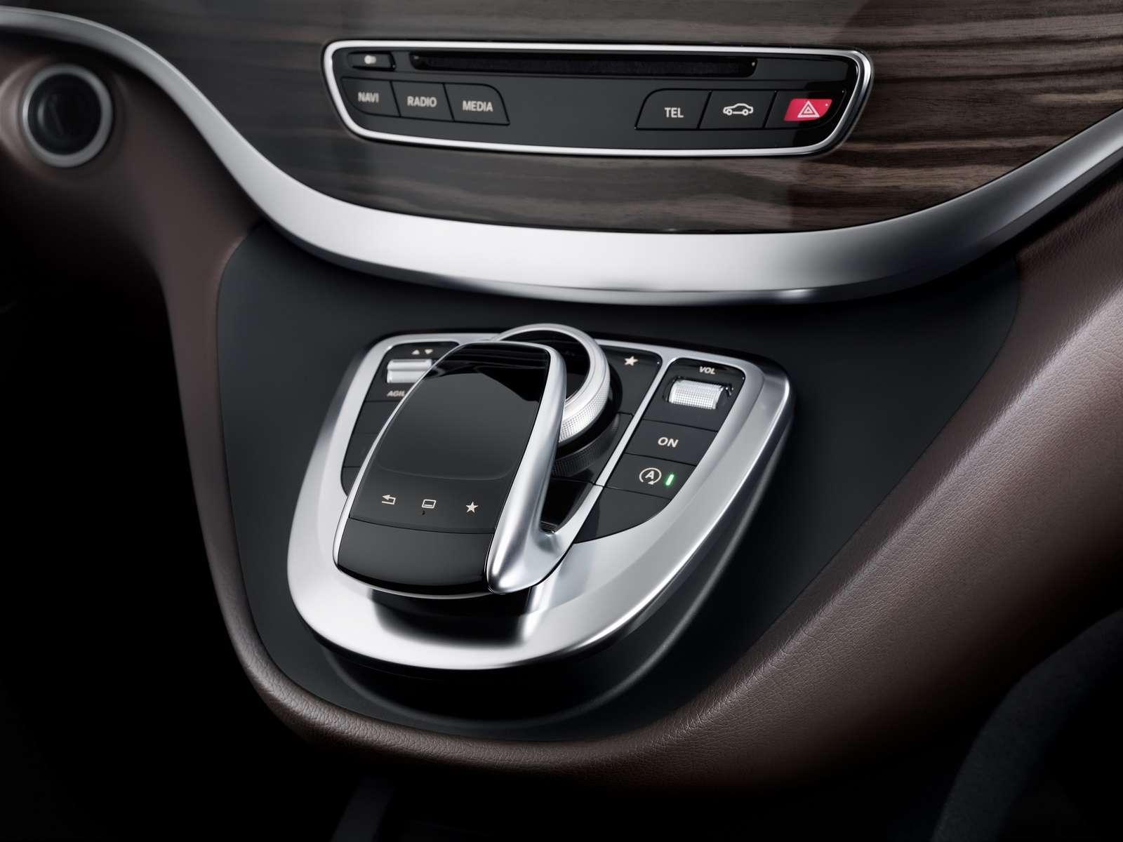 Mercedes-Benz V-Class 2014  Interior Photos