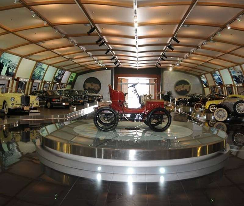 Muzeum starych samochodów Kuwejt