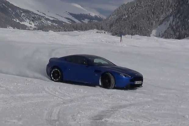 Aston Martin V12 Vantage S training snow