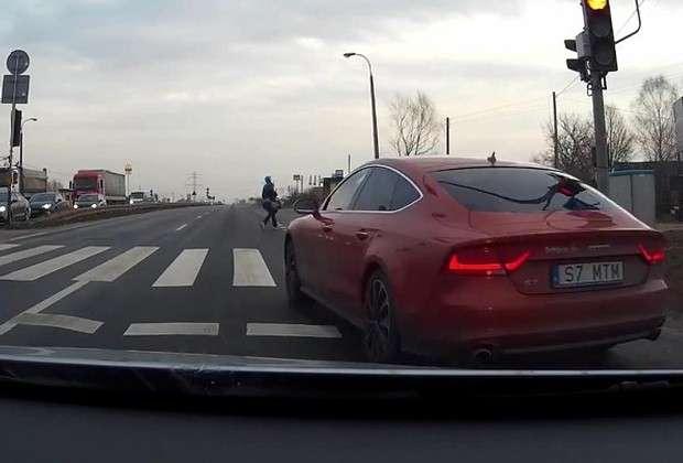 Audi A7 czerwone
