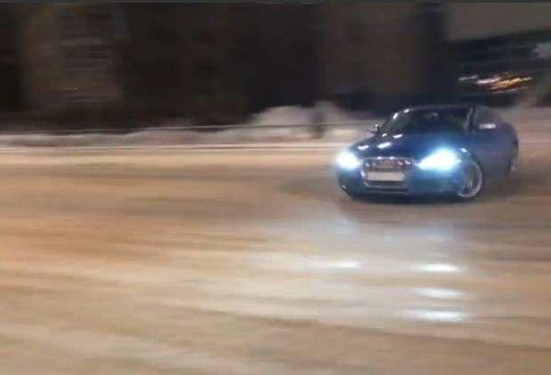 Audi S5 drift