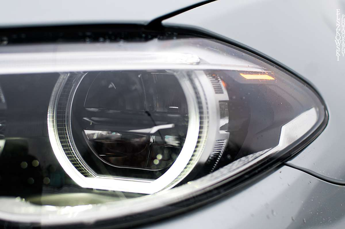 BMW 528i xDrive lights