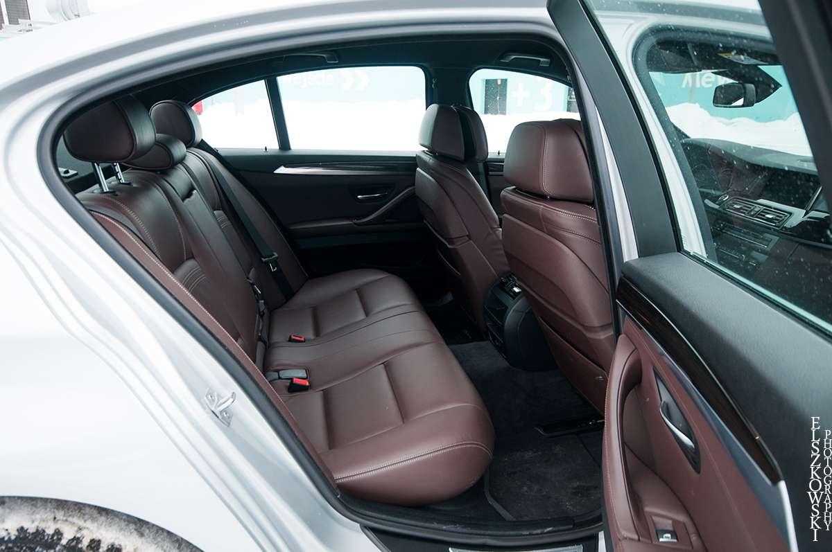 BMW 528i xDrive seats